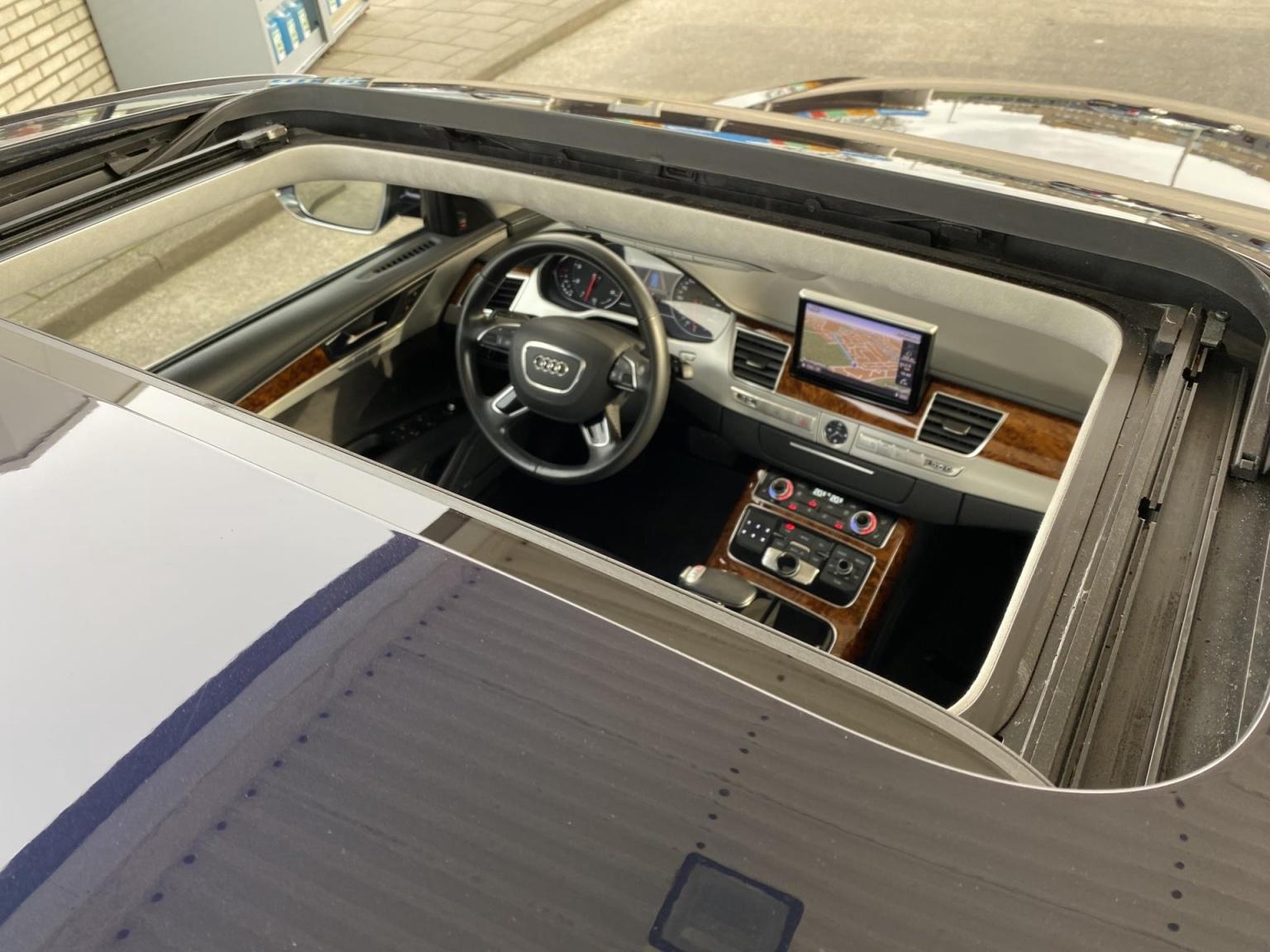 Audi-A8-33