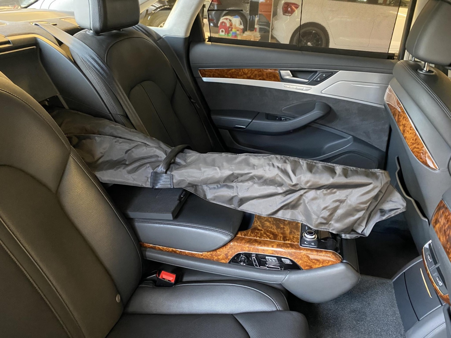 Audi-A8-58