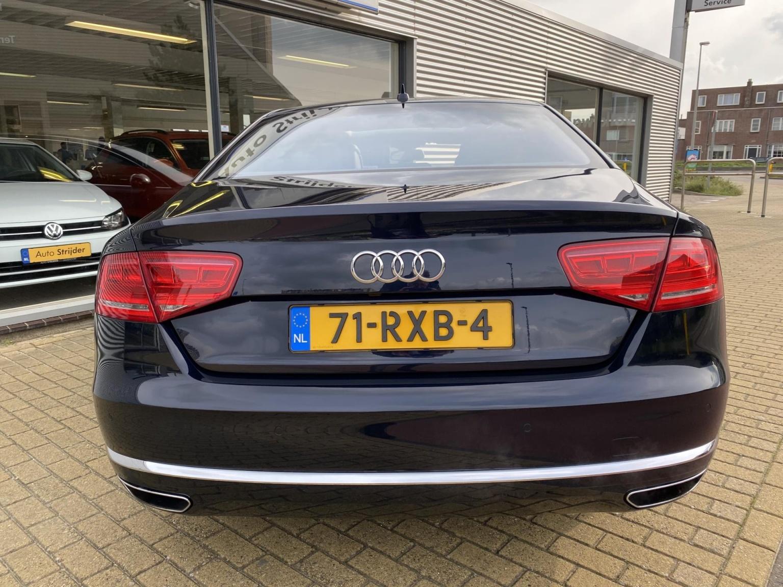 Audi-A8-28
