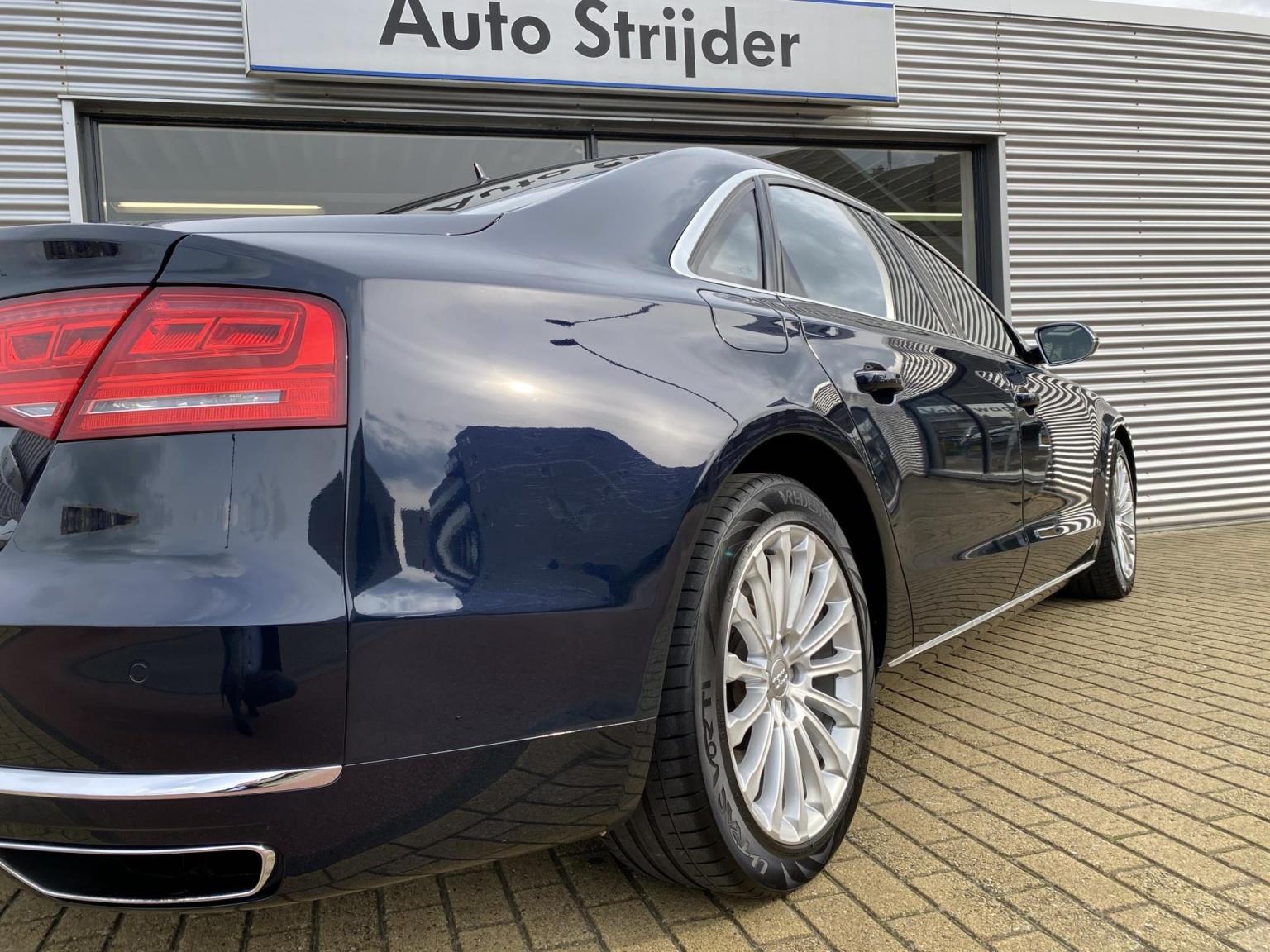 Audi-A8-24