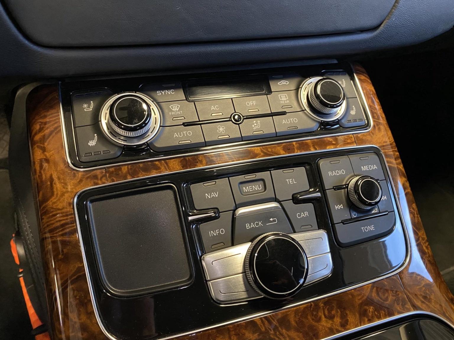 Audi-A8-39