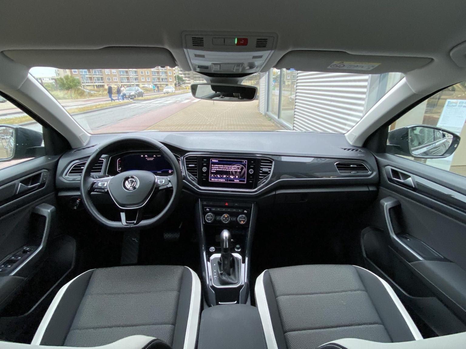 Volkswagen-T-Roc-4