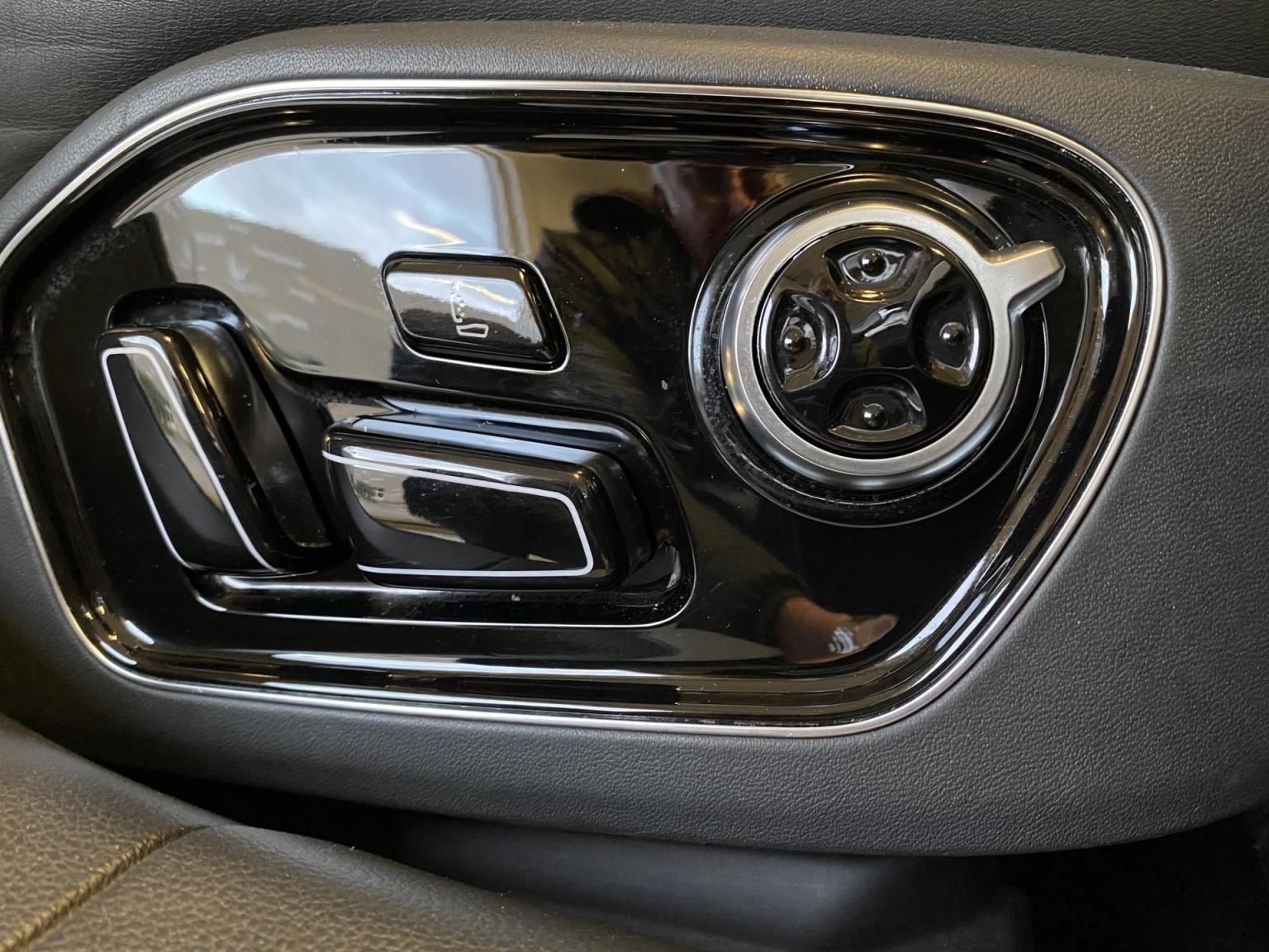 Audi-A8-46