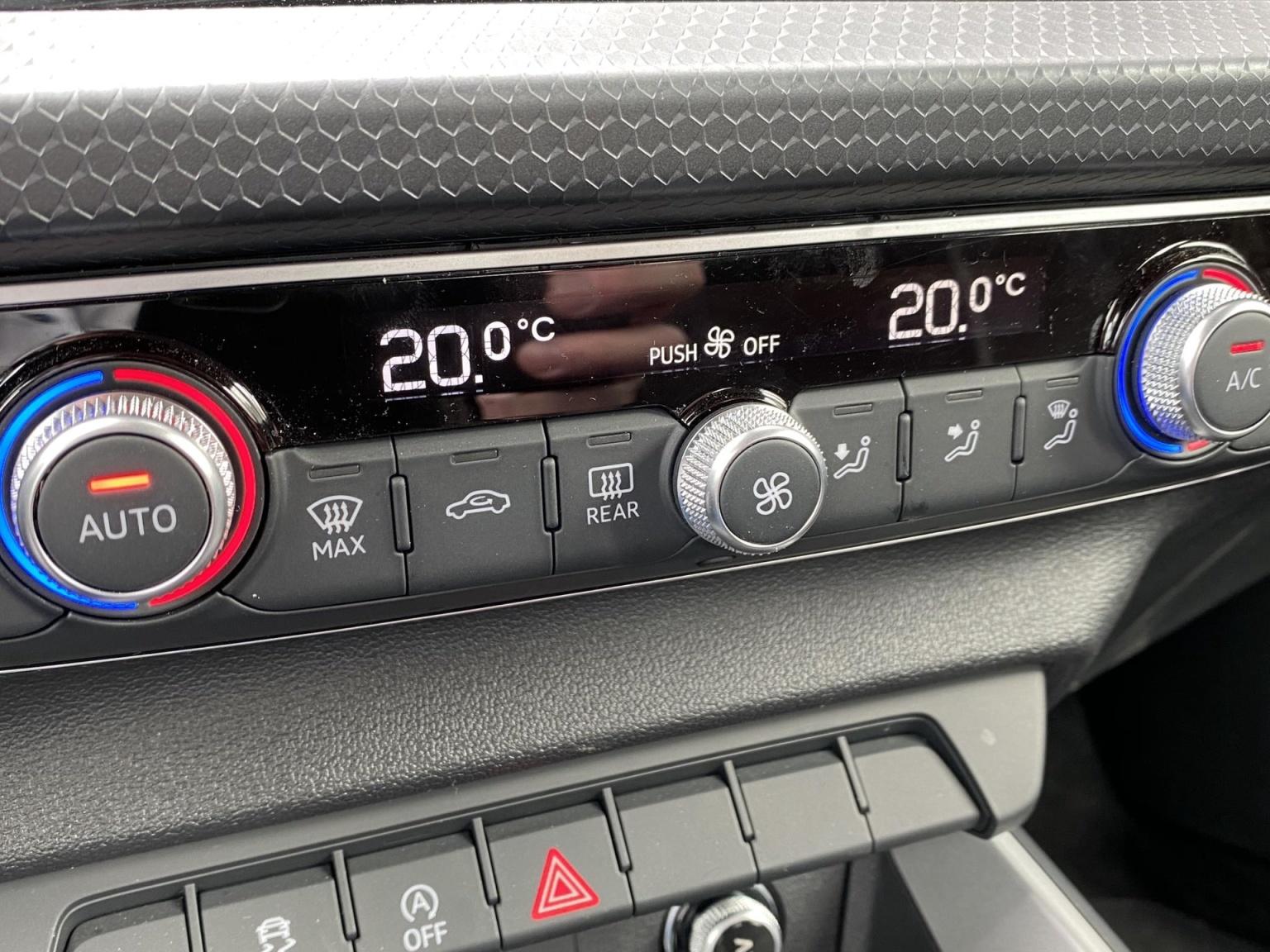 Audi-A1-16