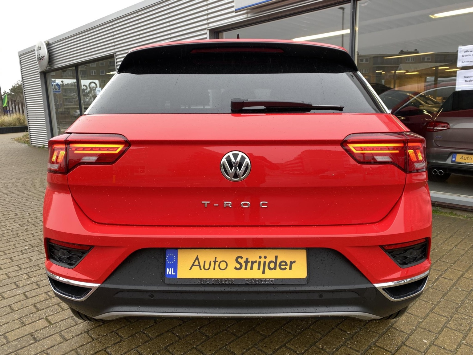 Volkswagen-T-Roc-8